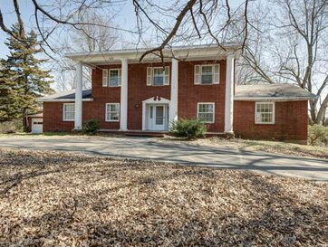 2950 South Natural Bridge Drive Springfield, MO 65809 - Image 1