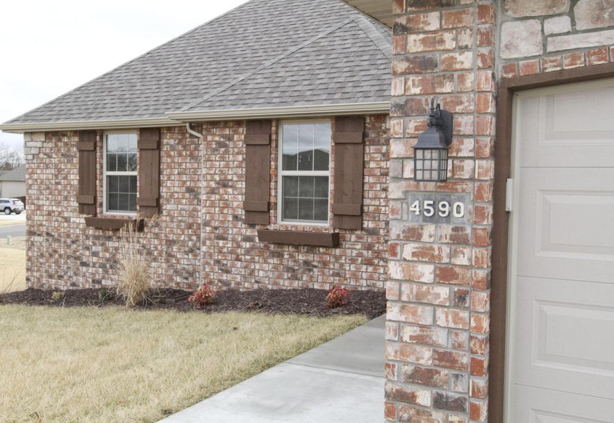 4590 Oneida Drive Springfield, MO 65802 - Photo 1