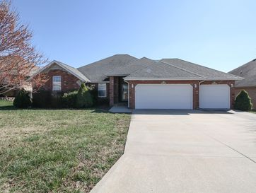 628 North Maplewood Hills Road Nixa, MO 65714 - Image 1