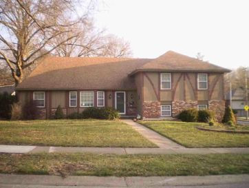312 East 117th Terrace Kansas City, MO 64114 - Image