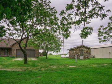 402 Comanche Trail Sparta, MO 65753 - Image 1