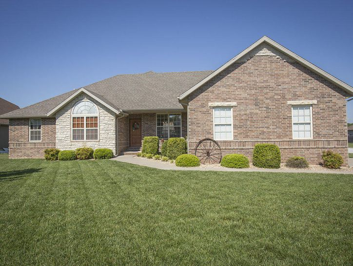 Photo of 5609 North Seacrest Drive