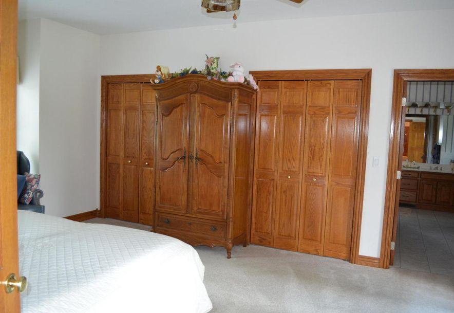 8300 Gateway Drive Neosho, MO 64850 - Photo 18