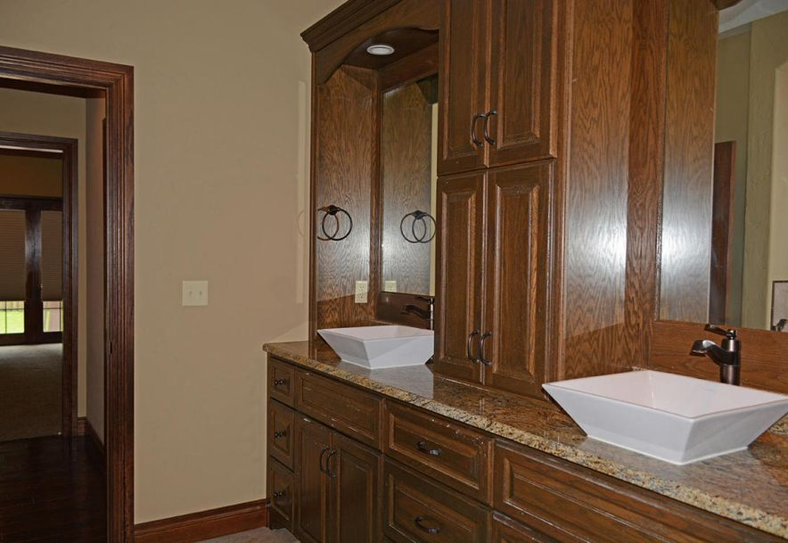 1324 East Lakepoint Court Springfield, MO 65804 - Photo 43