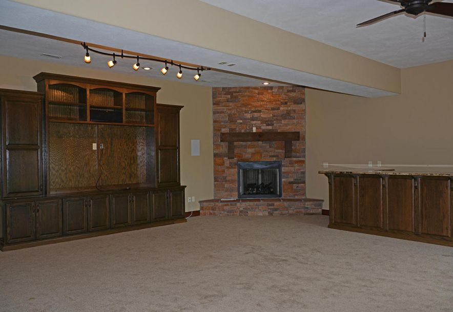 1324 East Lakepoint Court Springfield, MO 65804 - Photo 69