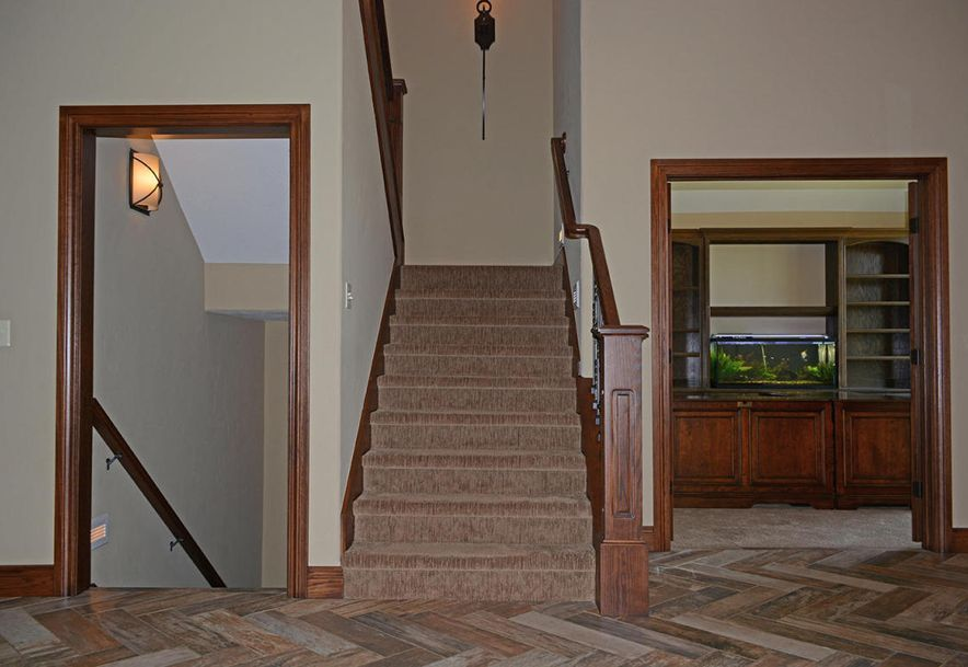 1324 East Lakepoint Court Springfield, MO 65804 - Photo 8