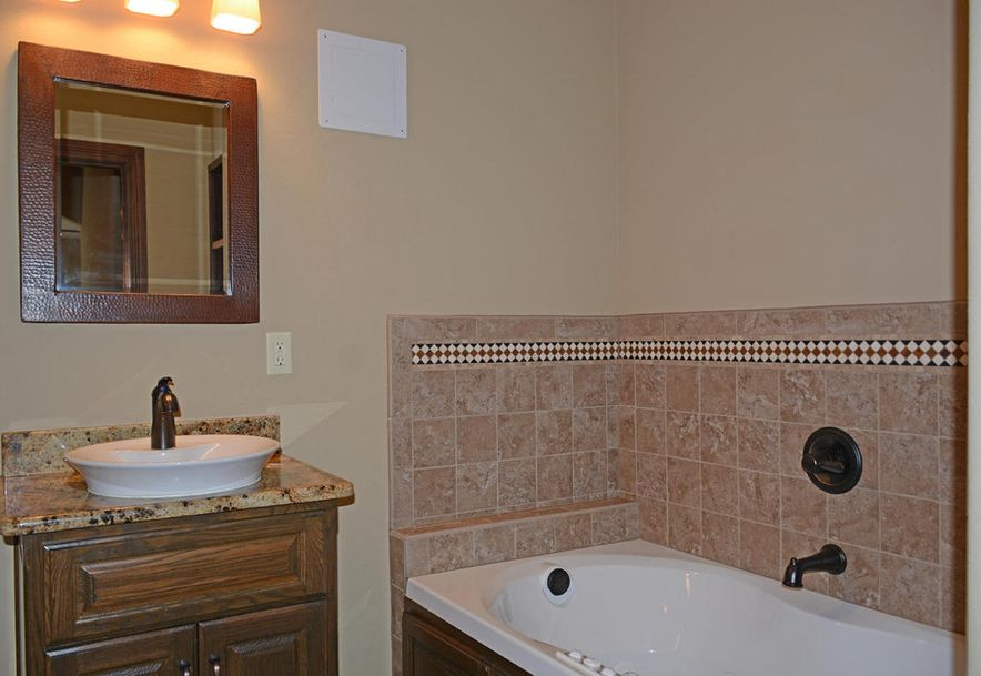 1324 East Lakepoint Court Springfield, MO 65804 - Photo 76