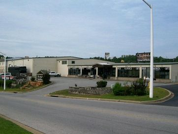 135 Southtown Blvd. Boulevard Hollister, MO 65672 - Image 1