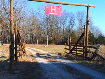 22006 Private Road 1120 Cassville, MO 65625 - Image 1