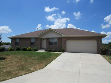 5559 West Clyde Street Springfield, MO 65802 - Image 1