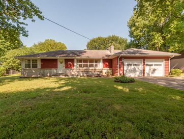 1835 South Link Avenue Springfield, MO 65804 - Image 1