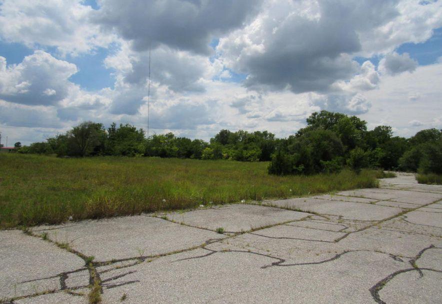 810 South Maiden Lane Joplin, MO 64801 - Photo 1