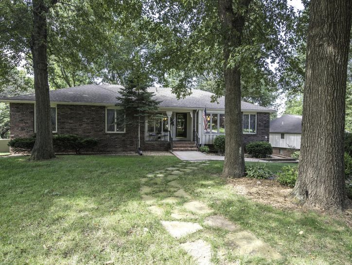 Photo of 4109 East Whitehall Drive