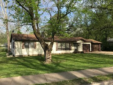 309 North Pine Street Willow Springs, MO 65793 - Image 1