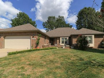 2260 South Laurel Avenue Springfield, MO 65807 - Image 1