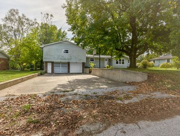 106 East South Street Marionville, MO 65705 - Image 1
