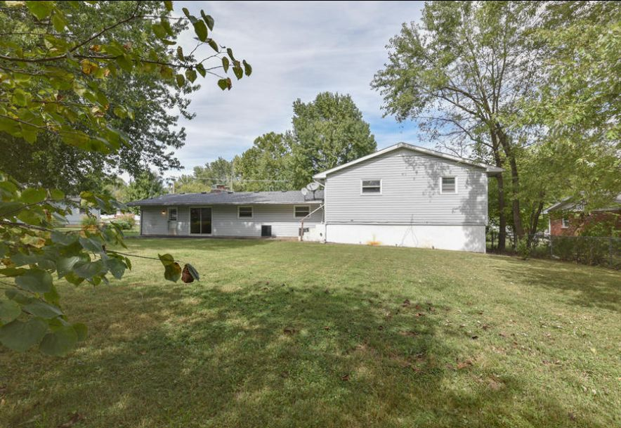 106 East South Street Marionville, MO 65705 - Photo 2