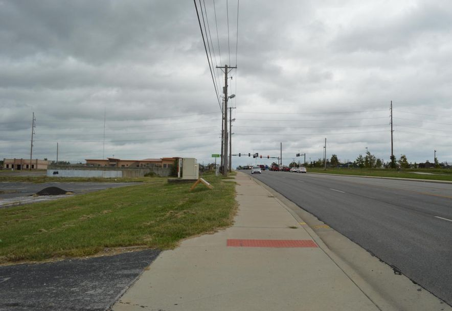 2830 Maiden Lane Joplin, MO 64804 - Photo 5