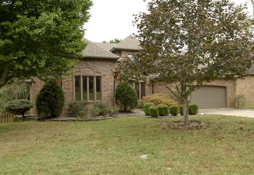 1668 South Chapel Drive Springfield, MO 65809 - Photo 8