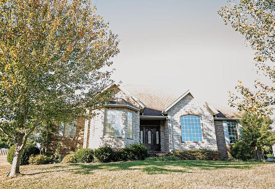 6071 South Overlook Trail Springfield, MO 65810 - Photo 2