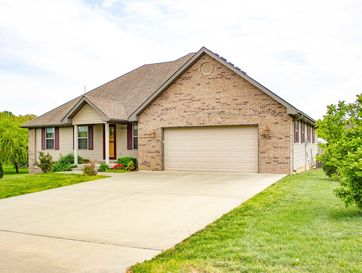 2140 East Meadow Drive Bolivar, MO 65613 - Image 1