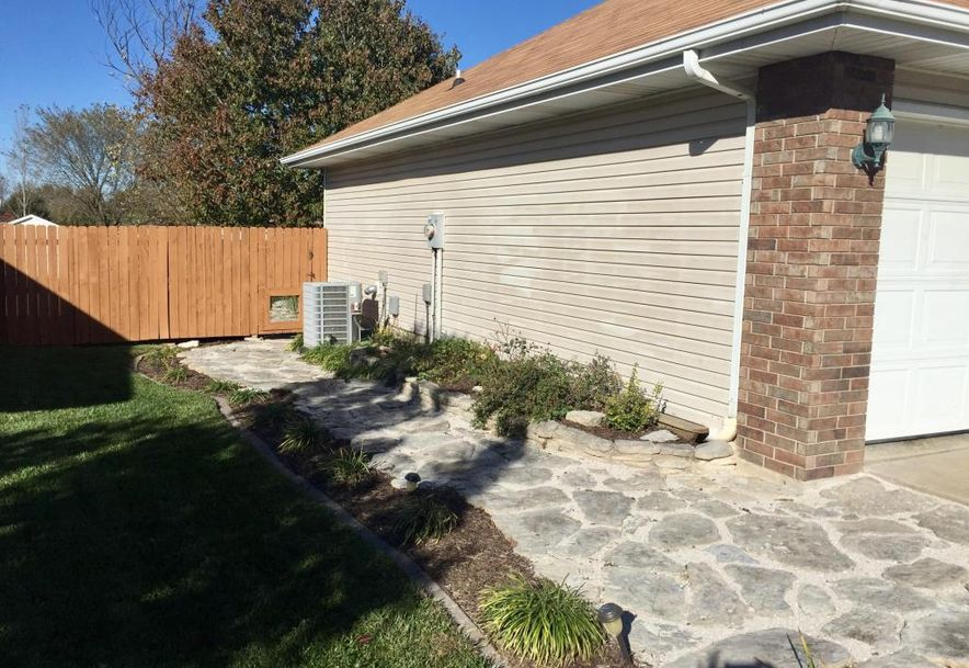 211 East Robin Clever, MO 65631 - Photo 4