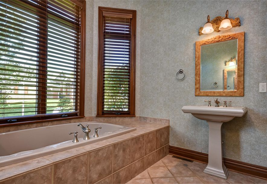 2872 South Forrest Heights Avenue Springfield, MO 65809 - Photo 23