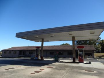 4842 St Highway 176 Galena, MO 65656 - Image 1