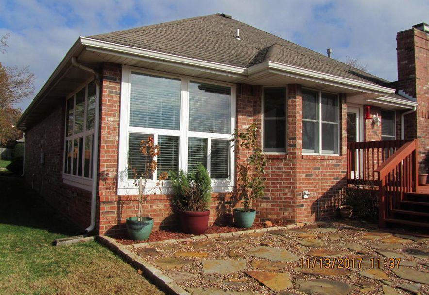 2404 West Buena Vista Street Springfield, MO 65810 - Photo 4