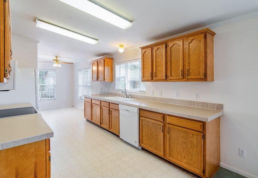 1552 Roberts Ridge Kissee Mills, MO 65680 - Photo 9