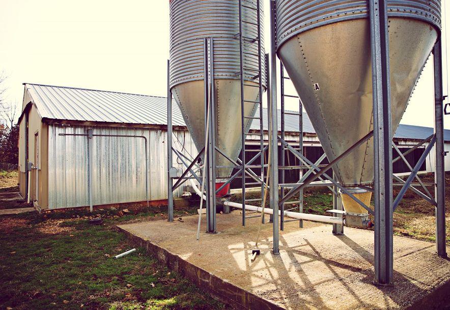 8505 Farm Road 2140 Cassville, MO 65625 - Photo 16