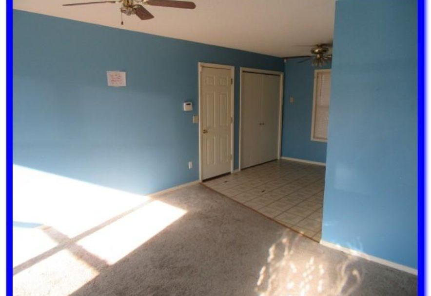 1515 West Meadow Avenue Ozark, MO 65721 - Photo 2