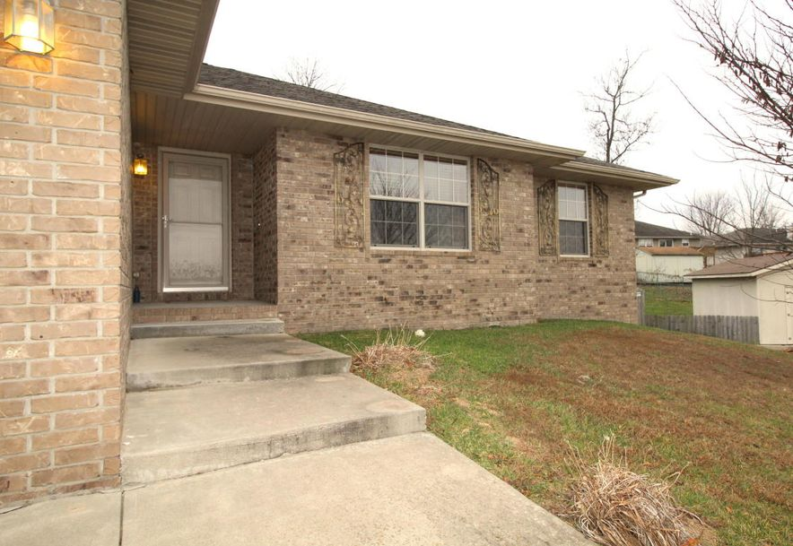 3826 West Greenway Drive Springfield, MO 65807 - Photo 3