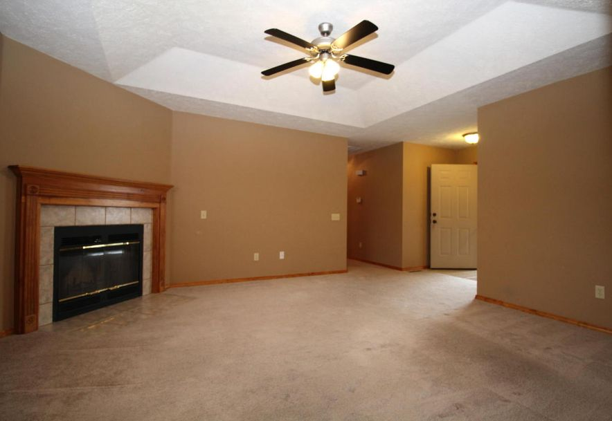 3826 West Greenway Drive Springfield, MO 65807 - Photo 4