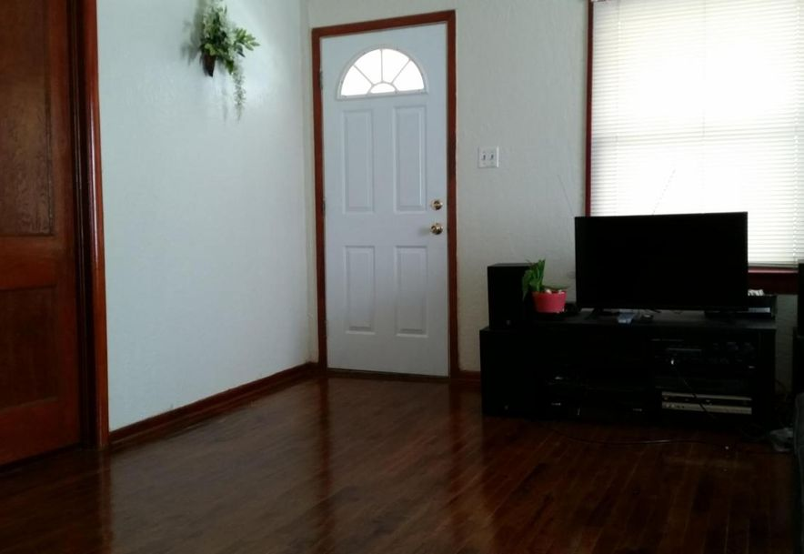 2035 West College Street Springfield, MO 65806 - Photo 2