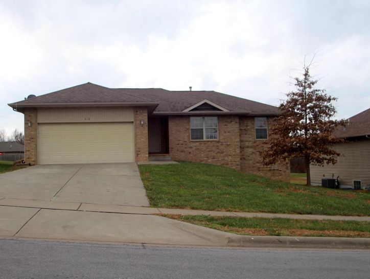 Photo of 218 West Mazzy Drive