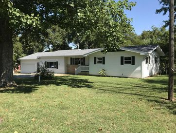 209 East 10th Street Willow Springs, MO 65793 - Image 1