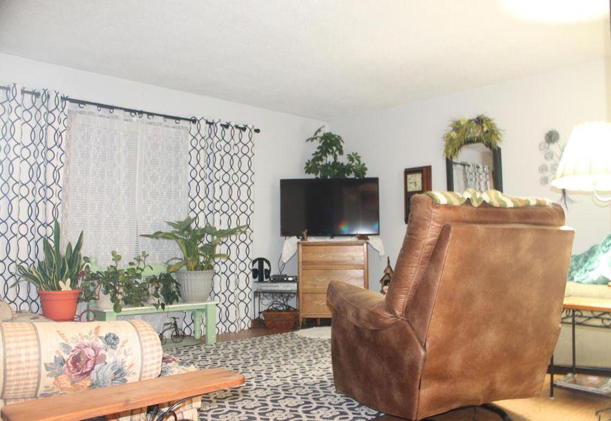 2827 North Kellett Avenue Springfield, MO 65803 - Photo 3