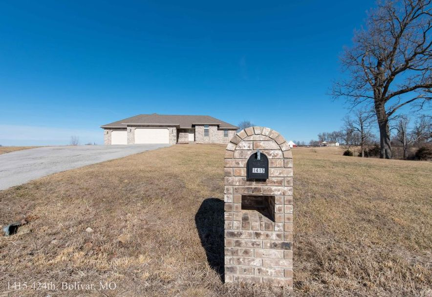 1415 East 424th Road Bolivar, MO 65613 - Photo 2