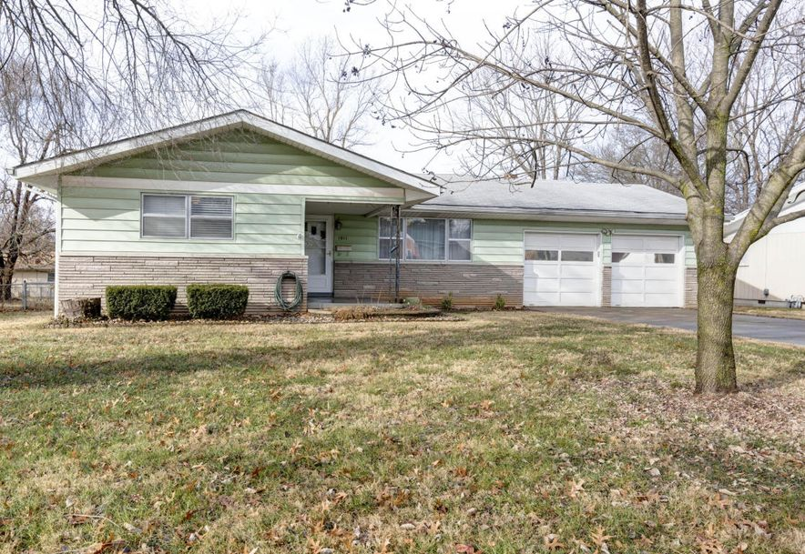 1911 South Bruce Avenue Springfield, MO 65804 - Photo 2
