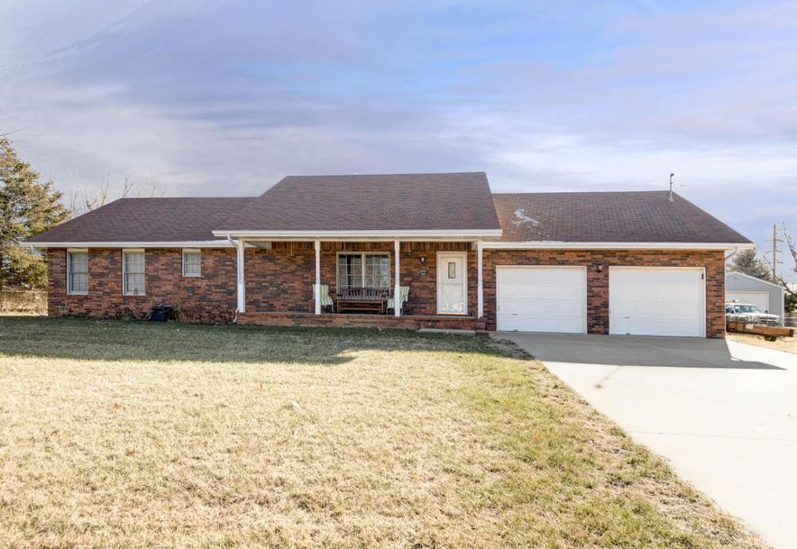 1930 West Sayer Drive Springfield, MO 65803 - Photo 1
