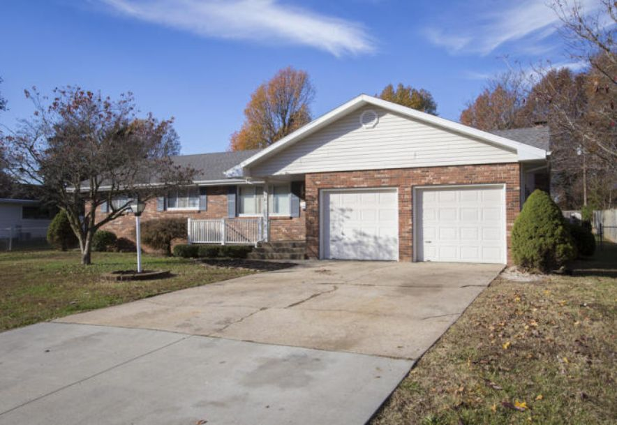 215 South Dogwood Avenue Republic, MO 65738 - Photo 2