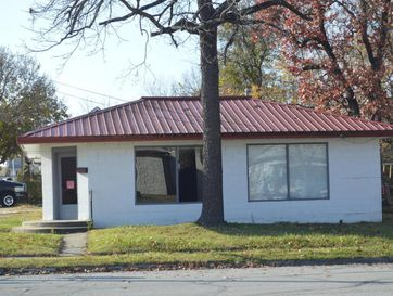 327 South Mcgregor Street Carthage, MO 64836 - Image 1