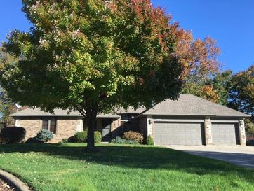2516 South Chapel Drive Springfield, MO 65809 - Image 1