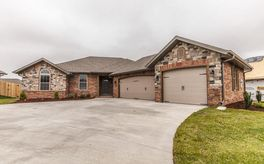 Photo Of 828 East Purple Martin Street Lot 90 Nixa, MO 65714