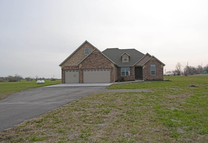 2420 North Arrow Lane Willard, MO 65781 - Photo 2