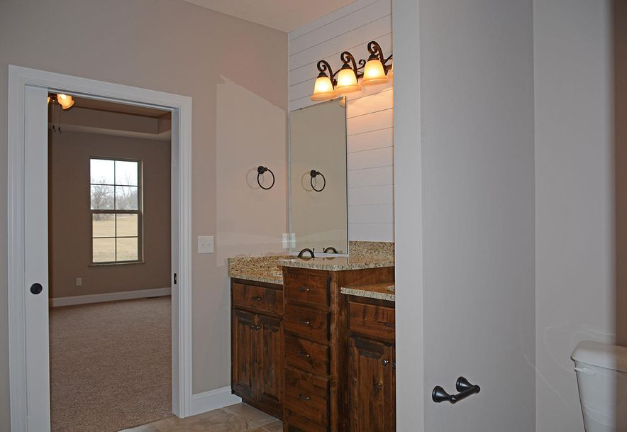 2420 North Arrow Lane Springfield, MO 65802 - Photo 26