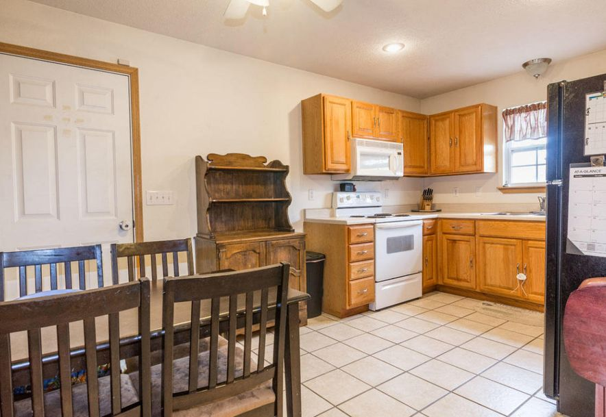 1130 West Chase Street Springfield, MO 65803 - Photo 7
