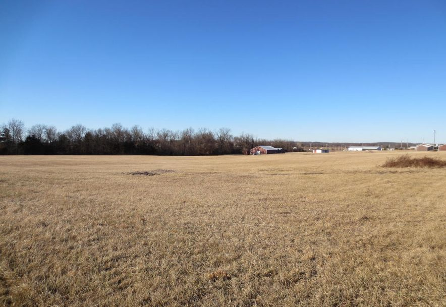 2950 West Broadway Avenue Bolivar, MO 65613 - Photo 4