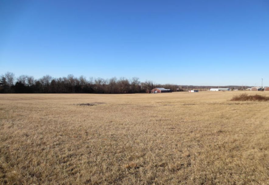 2950 West Broadway Avenue Bolivar, MO 65613 - Photo 5